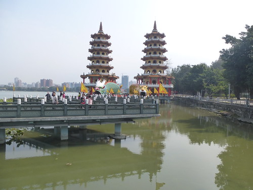 Ta-Kaohsiung-Lotus Pond-Dragon et Tigre (4)