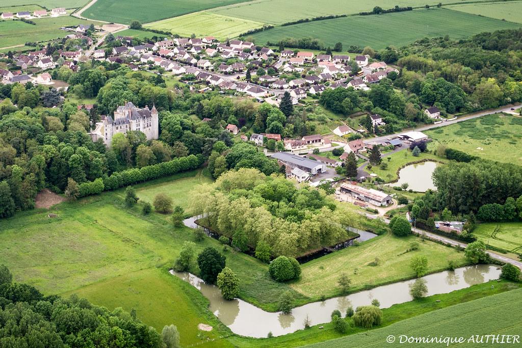 Saint-Brisson-sur-Loire (Loiret), vue aérienne