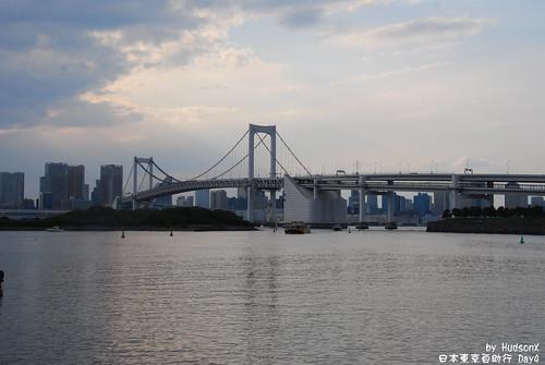 傍晚的彩虹橋