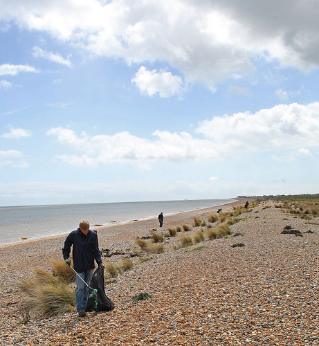 KWT Sandwich Bay Beach Clean by Kinzler Pegwell