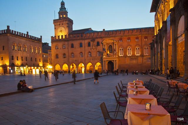 Piazza Maggiore-Bologna