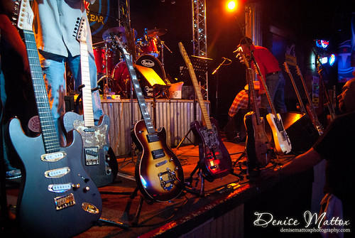 Tompkins Guitars