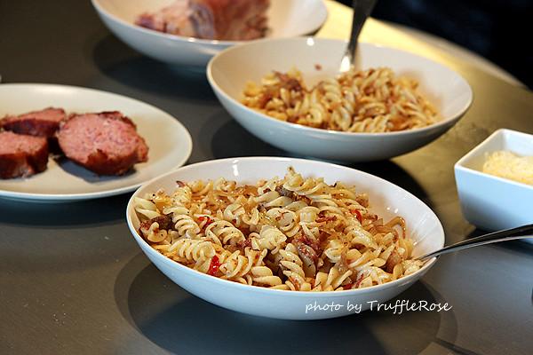 豬腳軟凍和肉丸搞定兩個晚餐-Belgium-20120625、26
