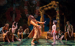 André de Shields (King Louie) and Akash Chopra (Mowgli) in Tony Award winner Mary Zimmerman's new musical adaption of THE JUNGLE BOOK, photo: Liz Lauren