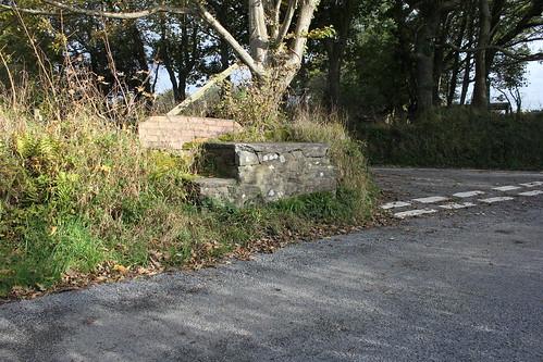 Stondin Laeth islaw Penllwyn, Cwmtydu