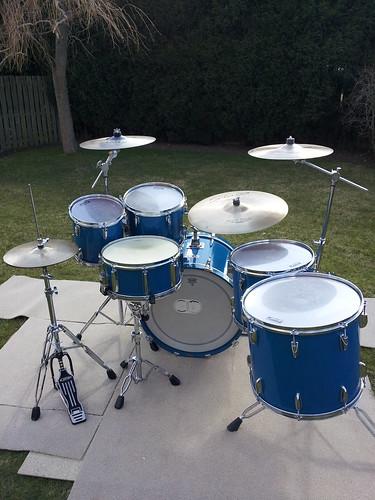 yamaha 8000 tour custom drum kit in cobalt blue finish ebay. Black Bedroom Furniture Sets. Home Design Ideas