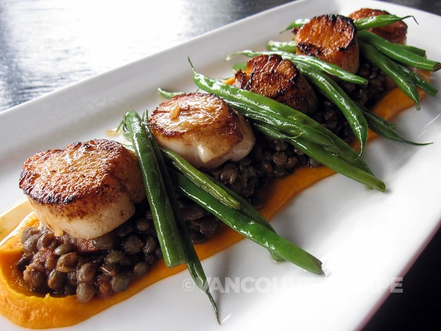 Luke's Wild sea scallops, bacon, lardon lentils, green beans, carrot purée