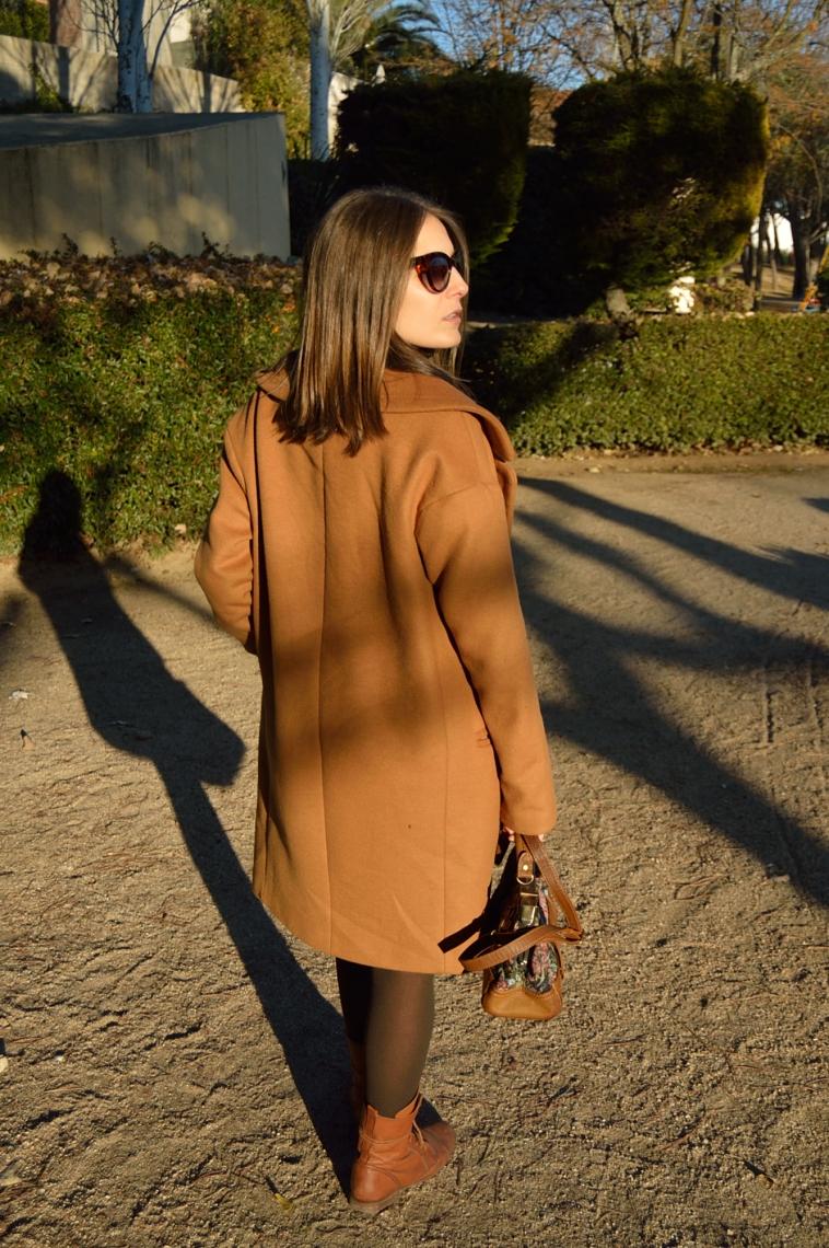 lara-vazquez-madlula-style-chic-back-coat-abrigo-masculino