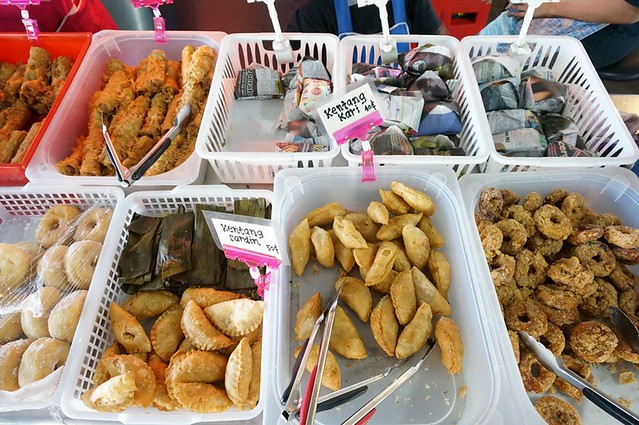malay nyonya kuih in melaka - Perhentian kuih kampong-002