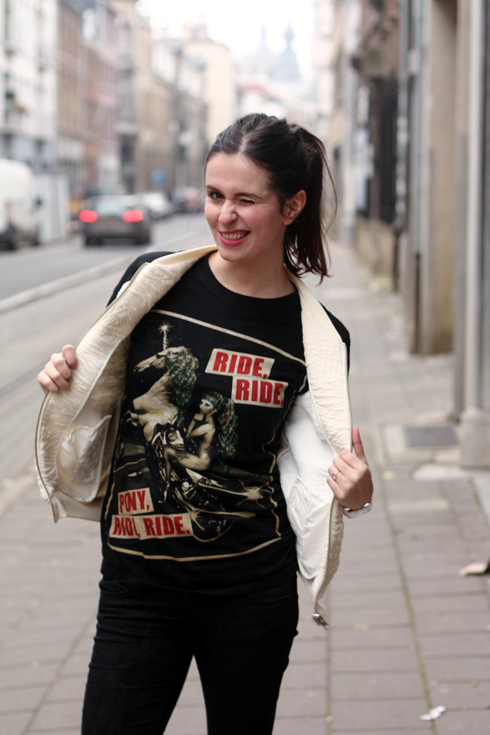 Casual Outfit: Bomber and Gaga T-shirt
