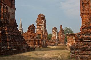Image of Wat Phra Mahathat near Phra Nakhon Si Ayutthaya. canon thailand asia southeastasia december christmasday ayutthaya 泰国 watphramahathat ราชอาณาจักรไทย ประเทศไทย ayudhya 2013 พระนครศรีอยุธยา canonefs1755mmf28isusm canon450d phranakhonsiayutthaya
