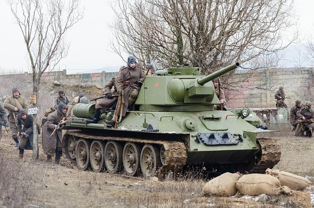 Т-34-76 и советская пехота
