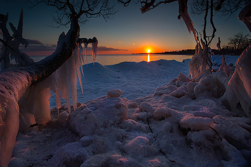 winter sunset sun ontario ice canon whitby whitbyontario leefilters timothycorbinphotography lakeontariowhitbymarina