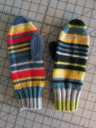 5-colourstripedmittens3