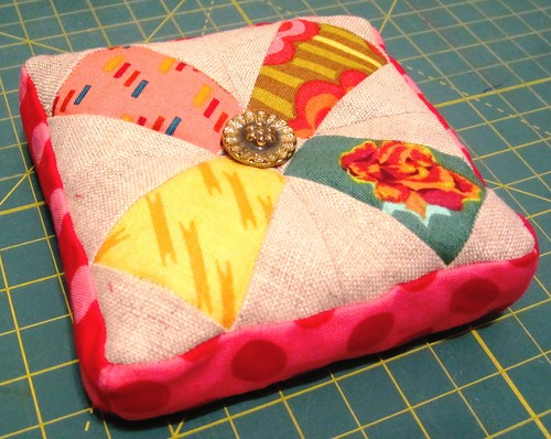 Patchwork Please: Prettified Pincushion