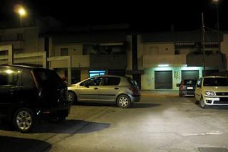 Noicattaro. Parcheggio selvaggio in via Paolo VI