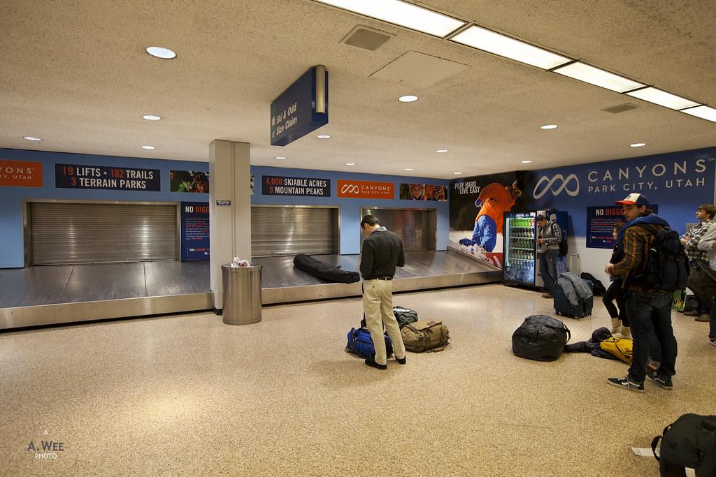 Ski baggage collection area