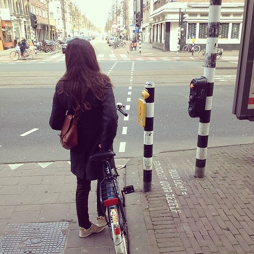 Aude #cyclechic #redlight