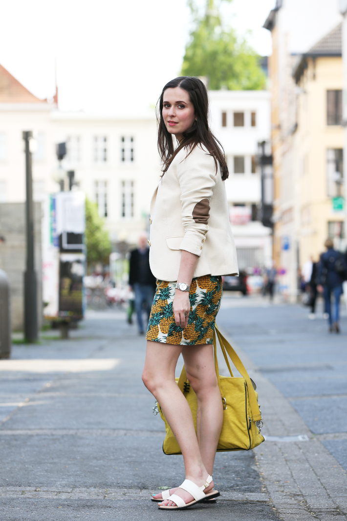 outfit pineapple print dress