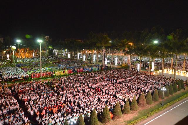 ĐHY Fernando Filoni gặp gỡ Cộng đoàn Dân Chúa GP.Xuân Lộc