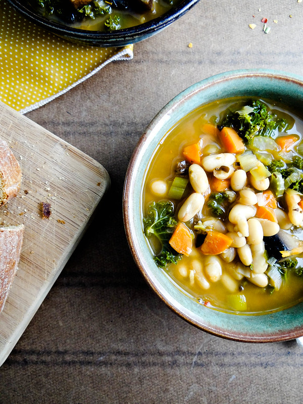 portabella white bean stew // book review