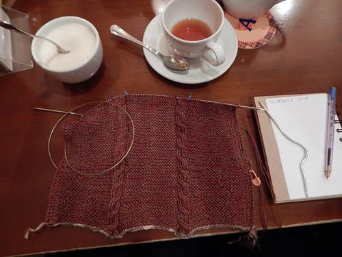 вяжу шарф со жгутами | ХорошоГромко.ру
