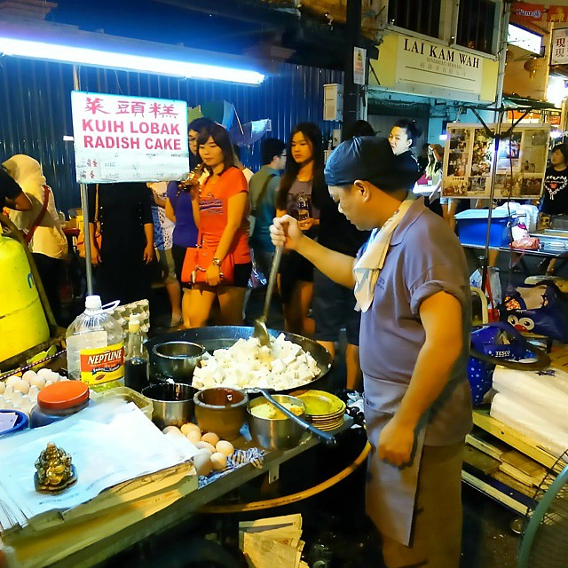 Kuih lobak / Radish Cake, yummy. Had it at Jonker street, Malacca Malaysia. Had a chance to see the making from start. The first one to order, till the crowds came in. Stay tuned for the next photo when the radish cake is ready. #radish #cake #lobak #kuih