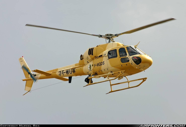صور مروحيات القوات الجوية الجزائرية Ecureuil/Fennec ] AS-355N2 / AS-555N ] - صفحة 5 26741477353_b3e484e37e_o