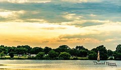Another beautiful Texas sky sunset view from Woodlawn Lake Park.    #woodlawnlake #park #sanantonio #satx #satown #texassky #texas #sunset #sunsetlovers #photowalk #littlelighthouse #lake #scenery #view #godscreation #instapic #instagram #igsanantonio #pi