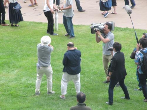 函館競馬場の芝生でのテレビロケ