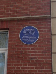 Photo of Woodes Rogers blue plaque