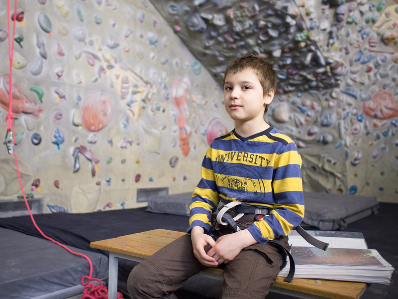 Андрей на скалодроме