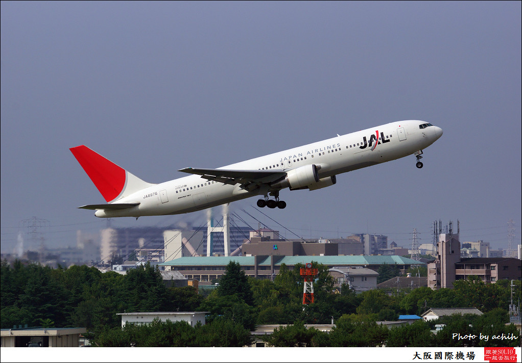 Japan Airlines - JAL JA8976-001