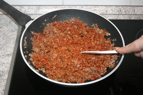 20 - Tomatenmark anrösten / Roast tomato puree