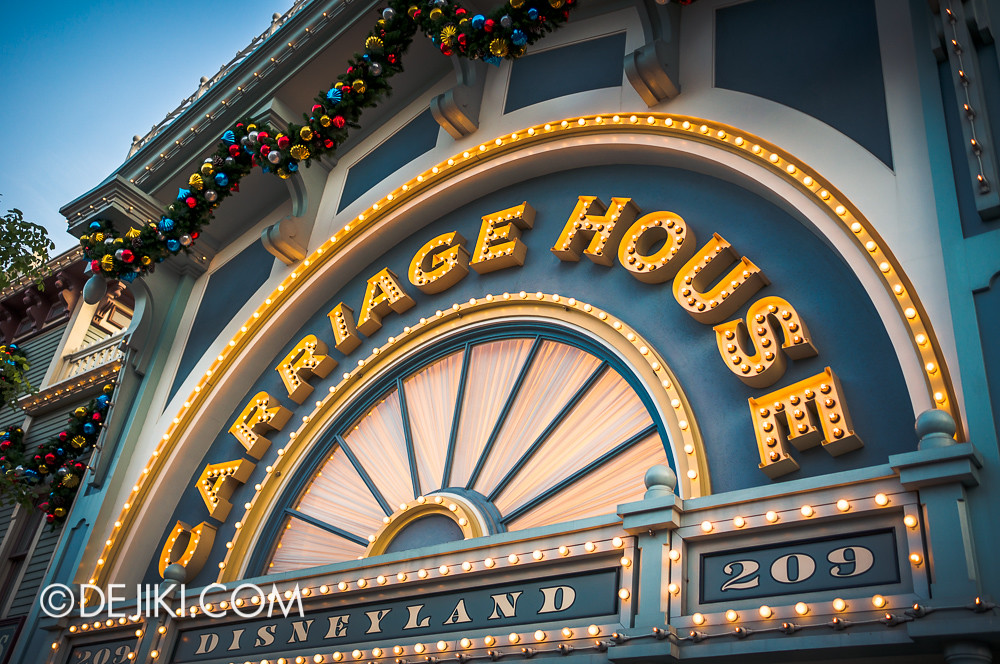 HKDL - Main Street USA Christmas Town - Carriage House