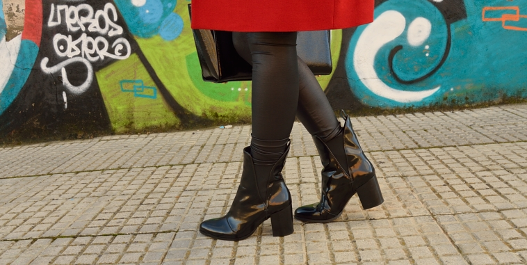 lara-vazquez-madlula-details-booties-black-fashion-blogger