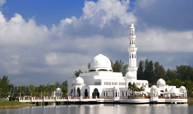 Tengku Tengah Zaharah Mosque (Floating Mosque)
