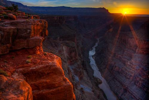 arizona sunrise grandcanyon coloradoriver theedge coloradoplateau verticaldrop torroweap