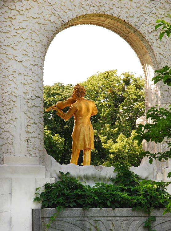 Johann Strauss monument in Stadtpark, Vienna
