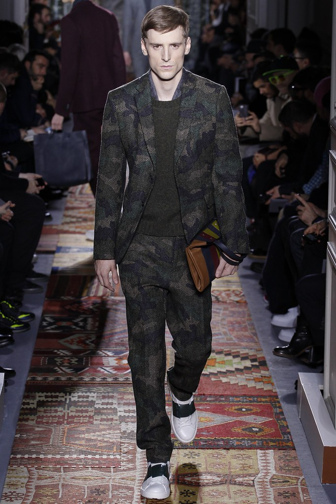 FW14 Paris Valentino035_George Barnett(VOGUE)