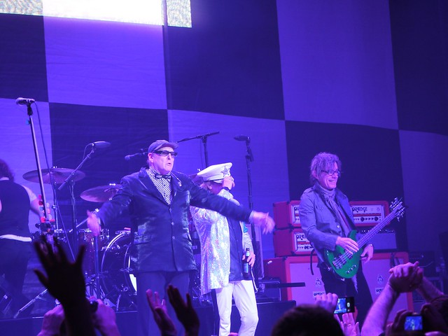 土, 2014-02-15 21:50 - Cheap Trick at Wellmont Theater, Montclair, NJ