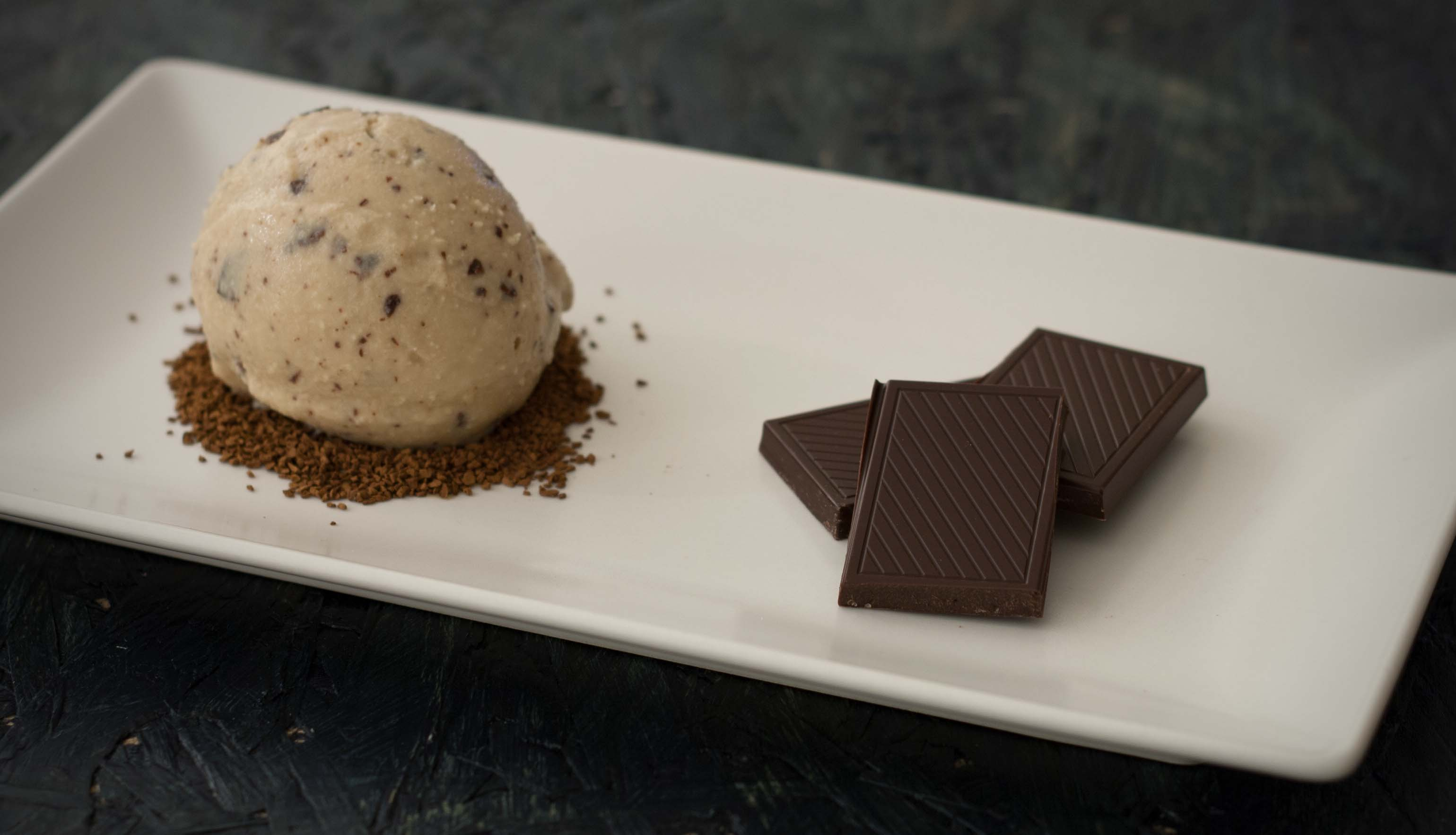 Recipe for Homemade Coffee Ice Cream with Chocolate Pieces