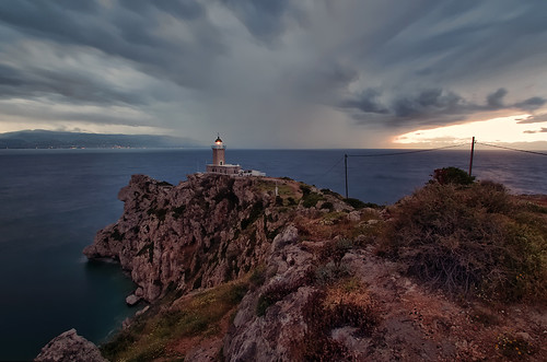 longexposure lighthouse storm rain twilight pentax cloudy dusk wideangle stormy loutraki neutraldensity iraion corinthiangulf melagavi greekelections2015