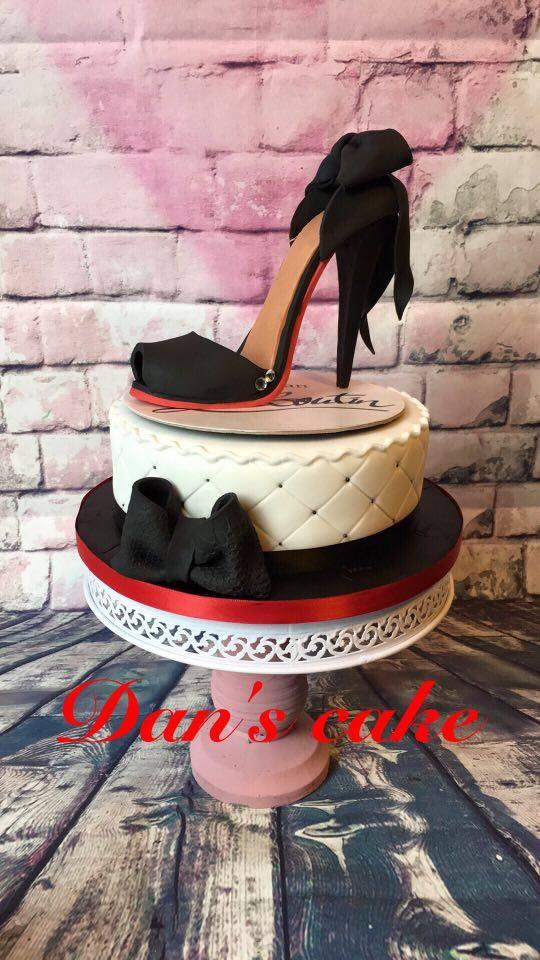 Jennyludo And-Co's High Heel Cake