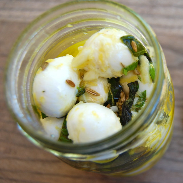 Mini Marinated Mozzarella In A Jar | www.rachelphipps.com @rachelphipps