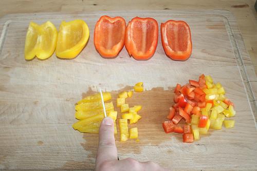 14 - Paprika würfeln /Dice bell pepper