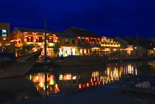 lanterns of Hoi An make for a great nighttime reflection photo
