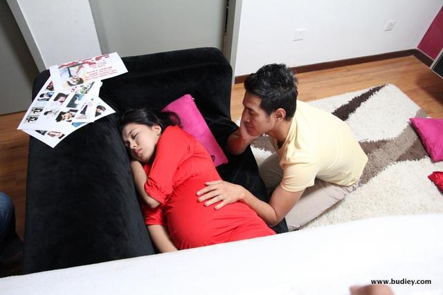 Setia Hujung Nyawa Raya - Zain menjaga El yang sedang sarat mengandung