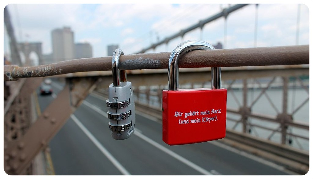 brooklyn bridge new york love padlocks dir gehoert mein herz