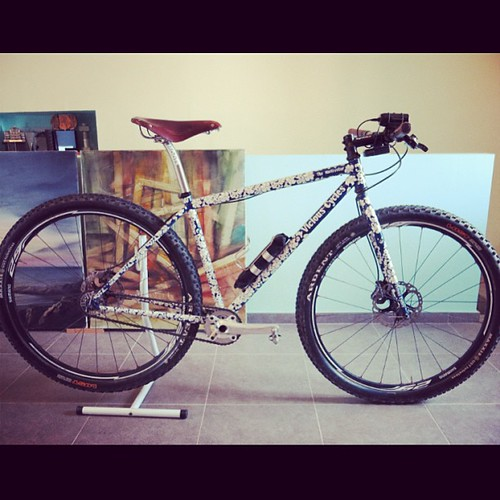 This is Marçal's single-speed from the Interbike show bike in 2008!! He has a full of passion and a looot of knowledge about handmade bicycles. Talking about handmade bikes w goosebumps on him for 24h!! :D He knows about #huntercycles #sycipbikes #retrote